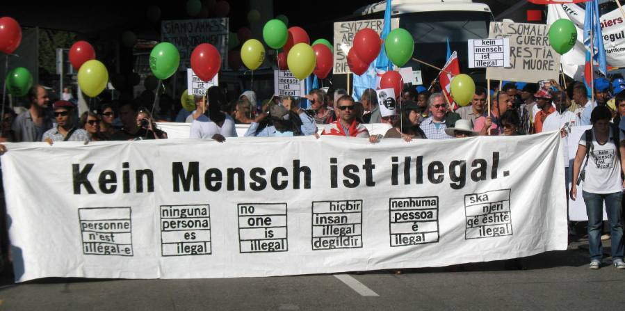 Sin Papeles manifestacion nacional octubre 2011 en Berna  foto a Sergio Ferrari
