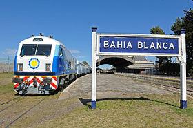 98f1_Llega_el_tren_a_Bahia