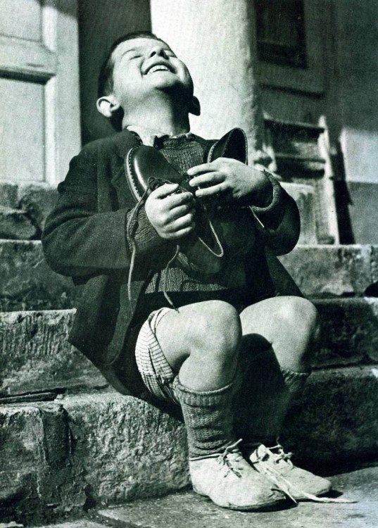 Huerfano con zapatos nuevos Stein