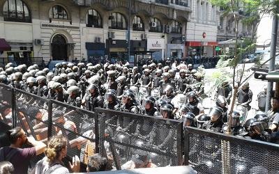 Militarización foto_valentina_bellomo_congreso_1